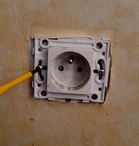 Montage Prise Electrique : installation d 39 un bloc 3 prises encastrable la place d 39 une prise simple ~ Melissatoandfro.com Idées de Décoration