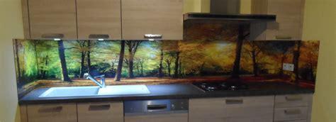 cuisine facile avec crédence déco revêtement mural décoratif pour plan de