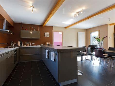 cuisine maison bois maison bois contemporaine newport par ami bois
