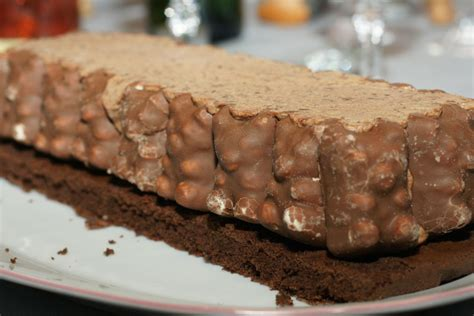 cuisine jeanne bûche tout chocolat aux oursons en guimauve fourchett es