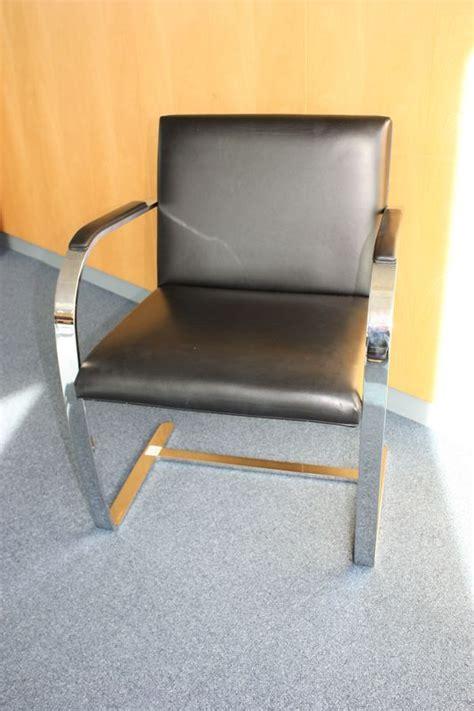 garniture de bureau en cuir lot 5 1 unite fauteuils visiteurs a garniture en cuir de