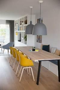 1001 idees deco pour illuminer l39interieur avec la for Deco cuisine avec chaise coloràé