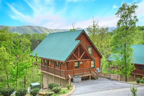 cheap big cabins 10 cheap cabins in pigeon forge