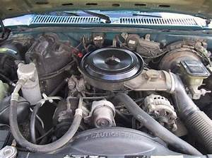 Odd   Thing In Engine Bay  I U0026 39 Ve Never Seen It Before And I