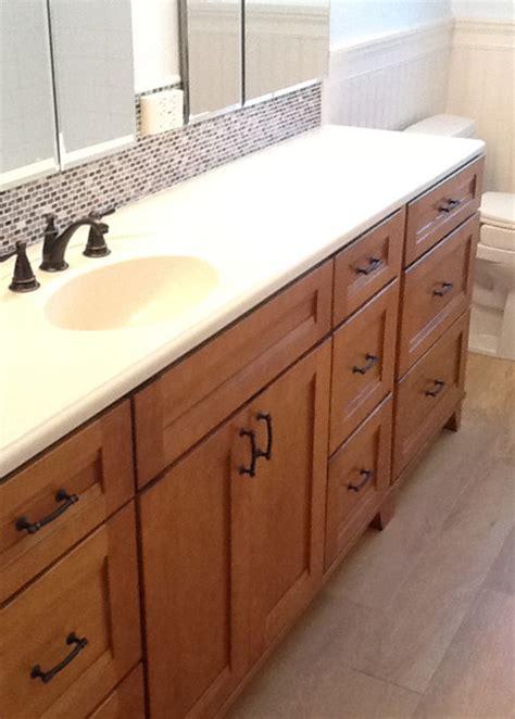 Marshall's Bathroom W Ceramic Beadboard Ceramic Hardwood