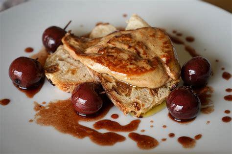 cuisiner un foie gras frais vidéo foie gras poêlé aux cerises