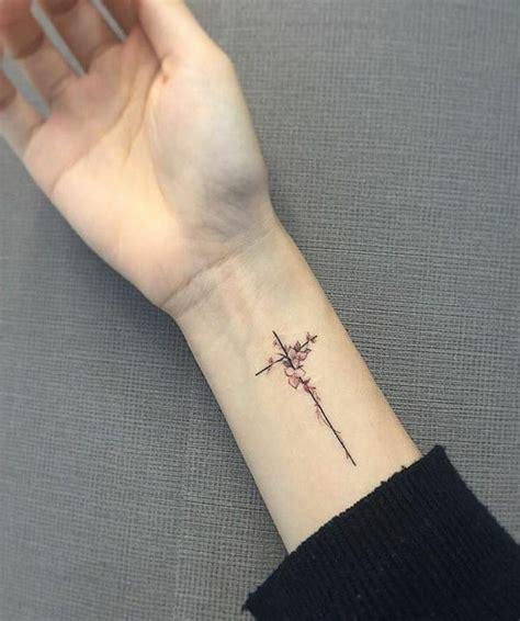 kreuz arm kreuz symbolische bedeutung 25 herrliche designideen