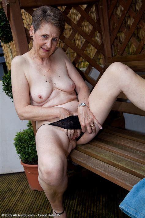 Lady Dee British Granny Sex Porn Images