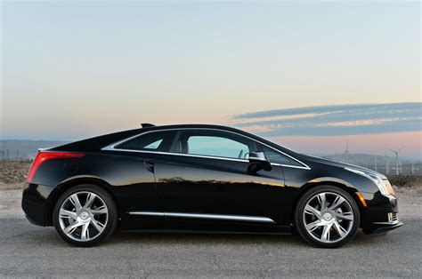 Cadillac Elr by 2014 Cadillac Elr Review Photo Gallery Autoblog