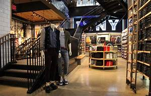 BAR Architects | Our Work | American Eagle Outfitters ...