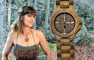 Uhren Aus Holz : trendige armbanduhren aus holz ~ Whattoseeinmadrid.com Haus und Dekorationen