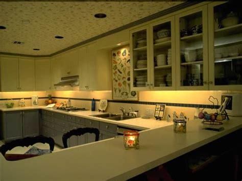 halogen kitchen lights xenon vs halogen cabinet lights 1534