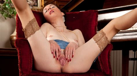 Stacey Robinson In Mature And Horny Scene Anilos Xxx