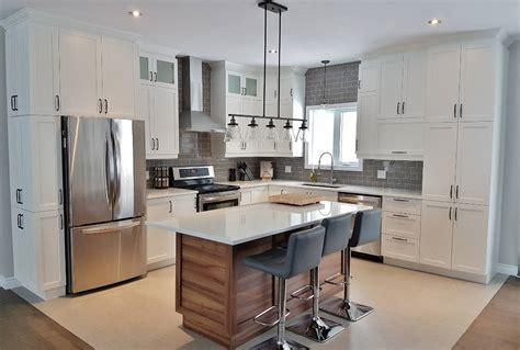 cuisine armoires blanches une cuisine blanche et moderne