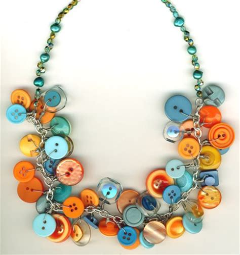 How To Make A Button Necklace 22 Tutorials  Guide Patterns