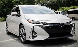 2017 Toyota Prius Prime Plug