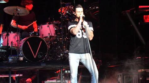 maroon 5 vancouver maroon 5 v tour vancouver animals youtube