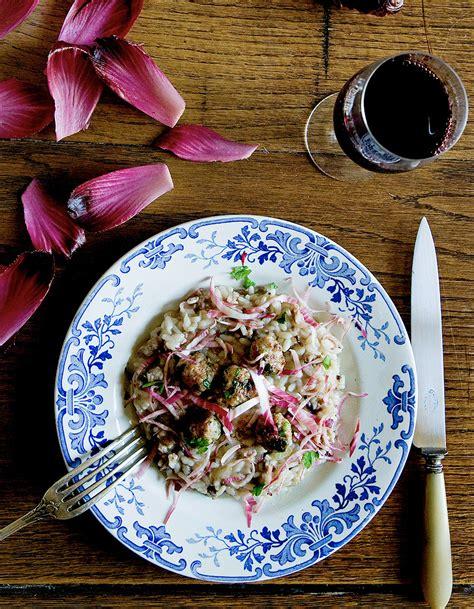 cuisiner des courges risotto aux saucisses et endives rouges de mimi thorisson