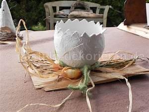 Frühlingsdeko Aus Naturmaterialien Selber Machen : osterdeko aus gipsei auf holzschindel basteln und dekorieren ~ Eleganceandgraceweddings.com Haus und Dekorationen