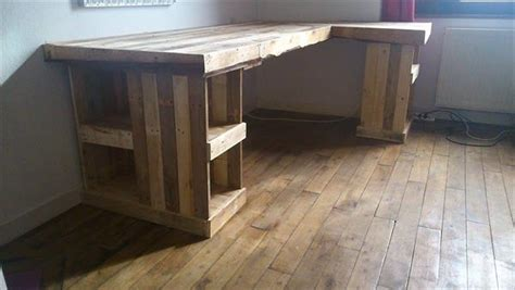 build a wooden desk diy pallet computer desk and chair