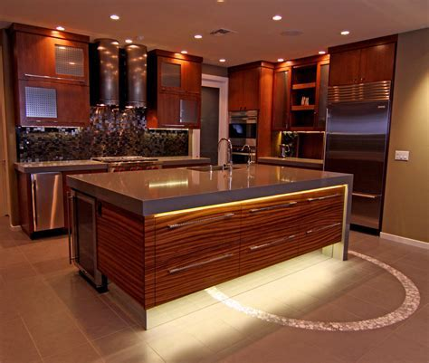 led under cabinet lighting Spaces Traditional with