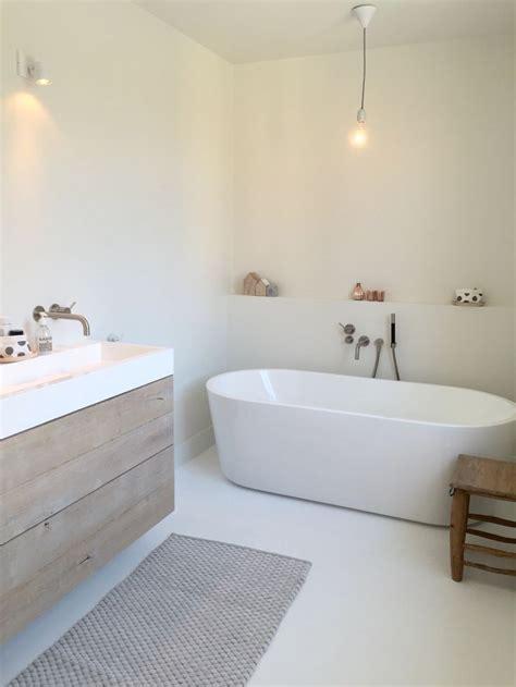 Simple Modern Bathroom Ideas by 25 Best Ideas About Simple Bathroom On Bath