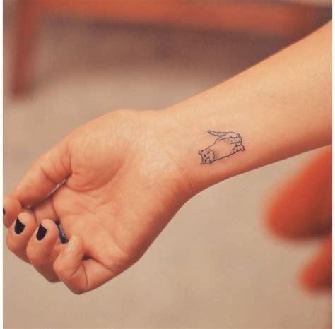 les 25 meilleures id 233 es de la cat 233 gorie tatouages de poignet int 233 rieure sur