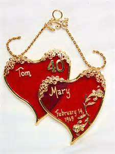 wedding gifts choosing wedding anniversary gift for your partner wisely indian wedding gifts