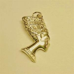 9ct Gold Egyptian Nefertiti pendant