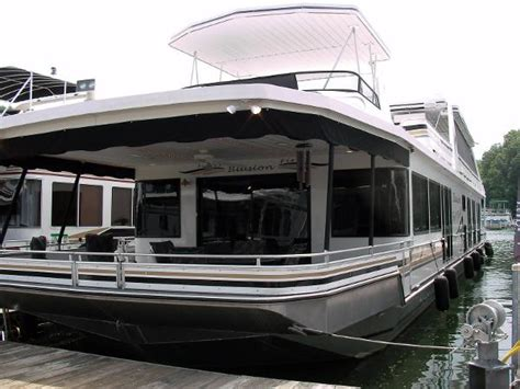 Trimaran Houseboat by 2004 Stardust Cruisers 18 X 95 Houseboat Somerset