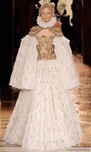 alexander mcqueen fall 2013 ready to wear wedding inspirasi With alexander mcqueen wedding dress