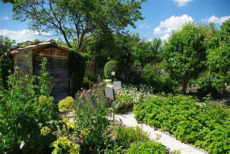 si鑒e de jardin visite du prieuré de salagon onvasortir marseille