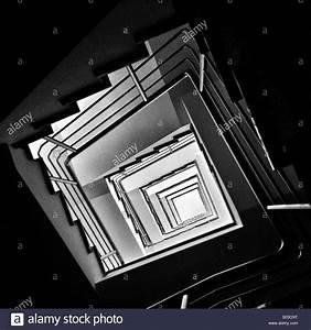 Below Immagini & Below Fotos Stock Alamy