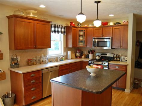 kitchen paint colors with light cherry cabinets