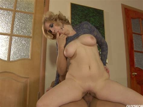 Hot Russian Mature Fucking A Young Guy Free Porn Videos
