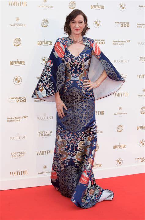 haydn gwynne style clothes outfits  fashion celebmafia