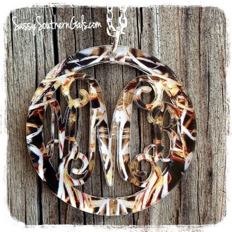 acrylic monogram camo necklace on www sassysoutherngals