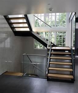 Stahltreppe Mit Holzstufen : beeindruckende stahltreppe mit holzstufen fuer 16 treppenbau becker ordentliche 19 ~ Orissabook.com Haus und Dekorationen