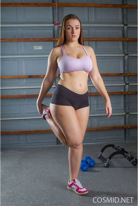Tiffany bunnylust in the gym 1 - Erotic photos, sexy pics and galleries of erotic nudes girl and ...