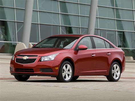 2013 Chevrolet Cruze  Price, Photos, Reviews & Features
