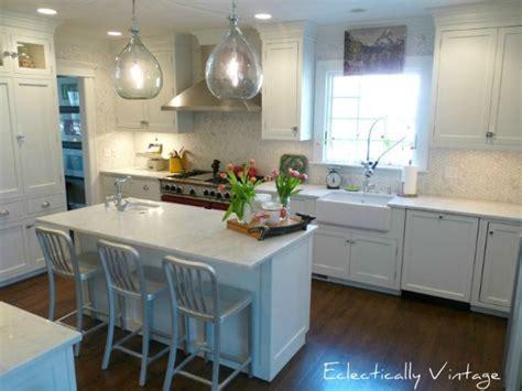 Gorgeous White Farmhouse Kitchen Renovation
