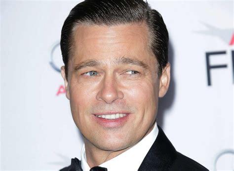 Уи́льям брэ́дли питт — американский актёр и кинопродюсер. Brad Pitt Seen Smiling at a Public Event, First Time in Months   Celebrity Insider