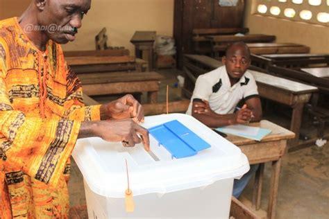 bureau de vote ouverture présidentielle 2015 faible affluence dans des bureaux de
