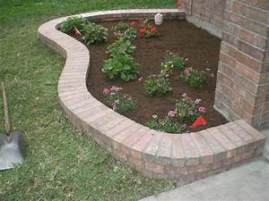 Brick, Border, In, Front, Of, House