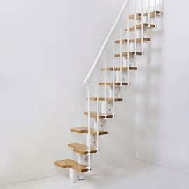 Escalier Faible Encombrement Castorama by Castorama Escalier 224 Pas Altern 233 Magia 30 12h Blanc