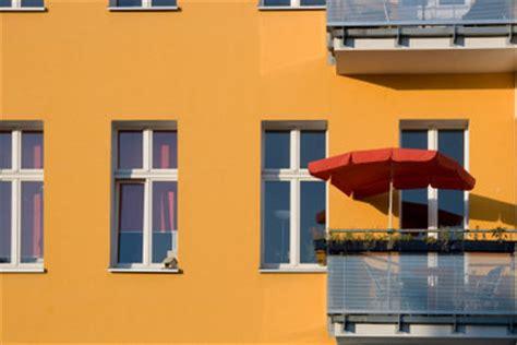 sonnenschirmhalterung  balkongelaender richtig anbringen