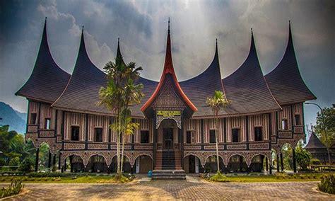 Ciri Ciri Hamil Rumah Adat Sumatera Barat Dan Keunikan Tempat Bersejarah Ini