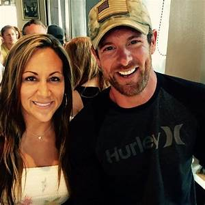 Noah Galloway Leaves Cmt Awards With One Regret