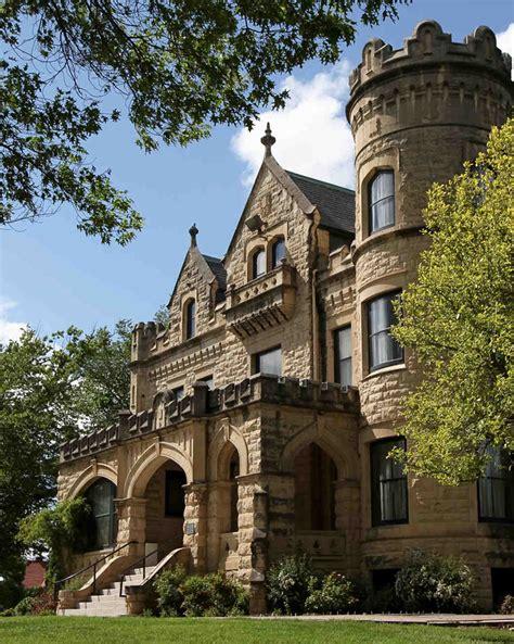 fairy tale castle wedding venues  america martha