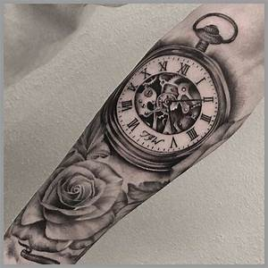 Tatouage Horloge Dessin : signification tatouage horloge plus jolie 25 best ideas about tatouage montre gousset on ~ Melissatoandfro.com Idées de Décoration